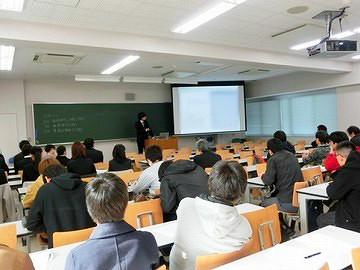 平成29年度知能情報工学科卒業論文審査会を実施